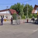 チェルノブイリゾーン30km圏内手前の入口。通過する全ての人がパスポートをチェックされる。
