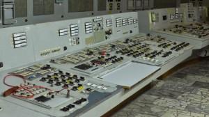 2号機制御室。1号機の監視管理を行っている。